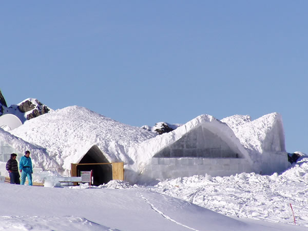 Building the Ice Hotel
